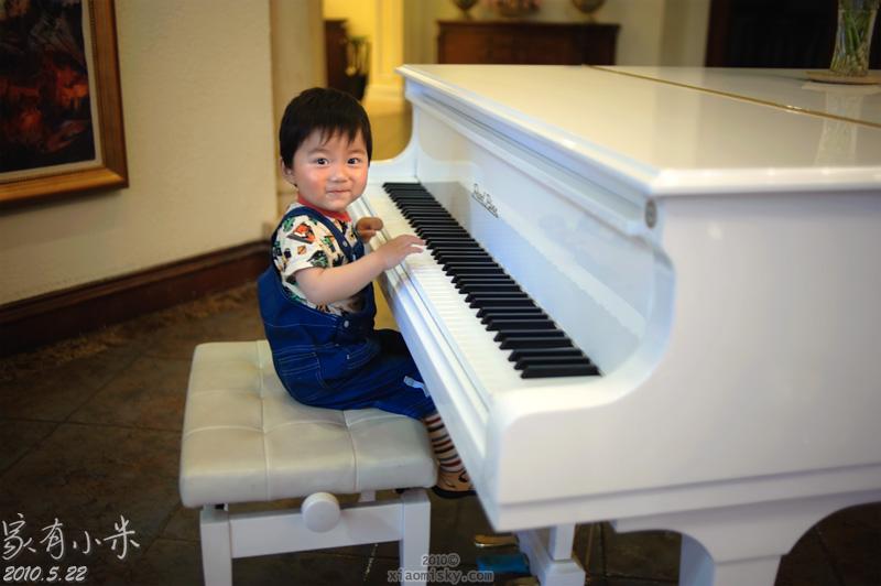 弹钢琴,嘘嘘训练